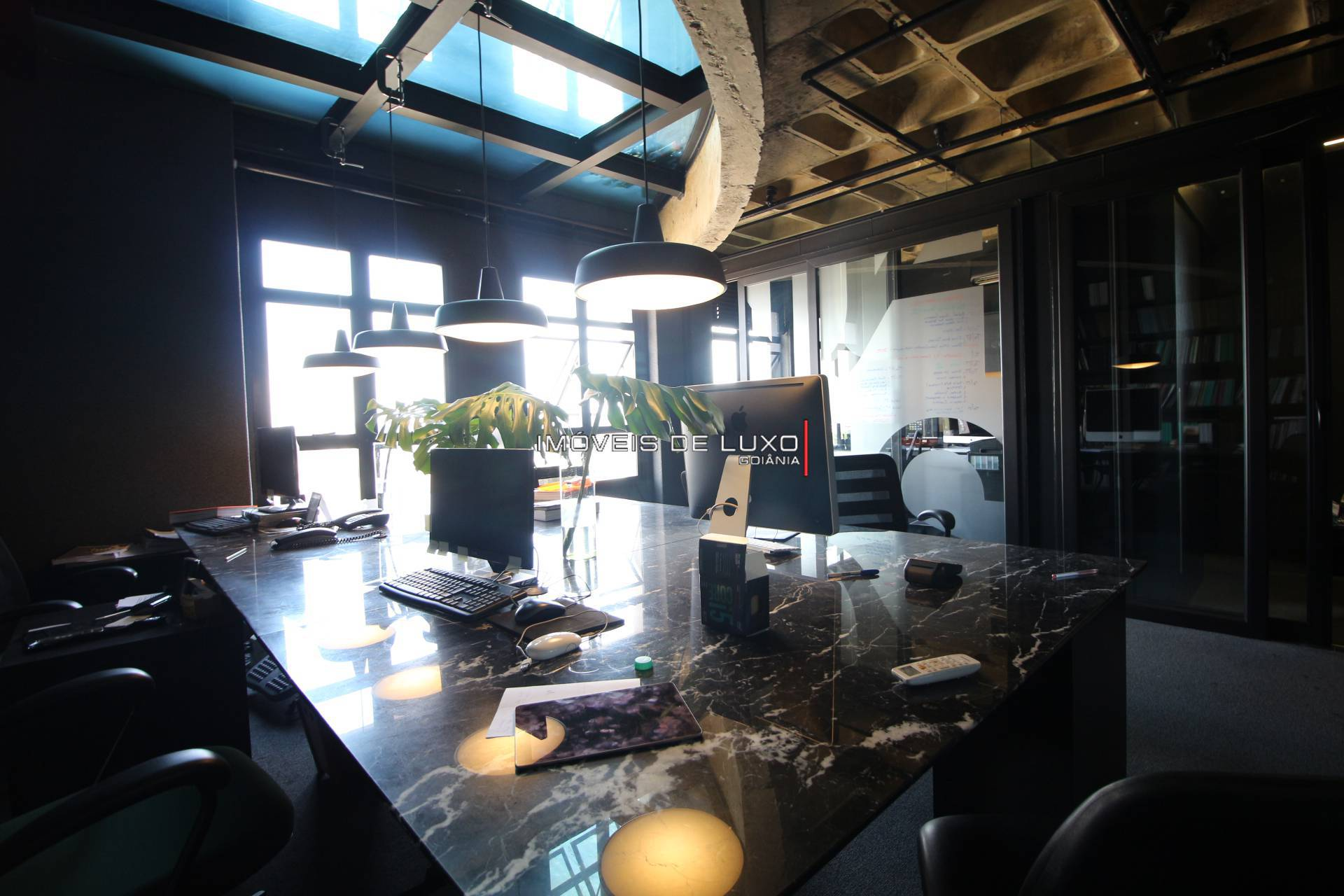 Imóveis de Luxo - Sala comercial com 197 m no JK