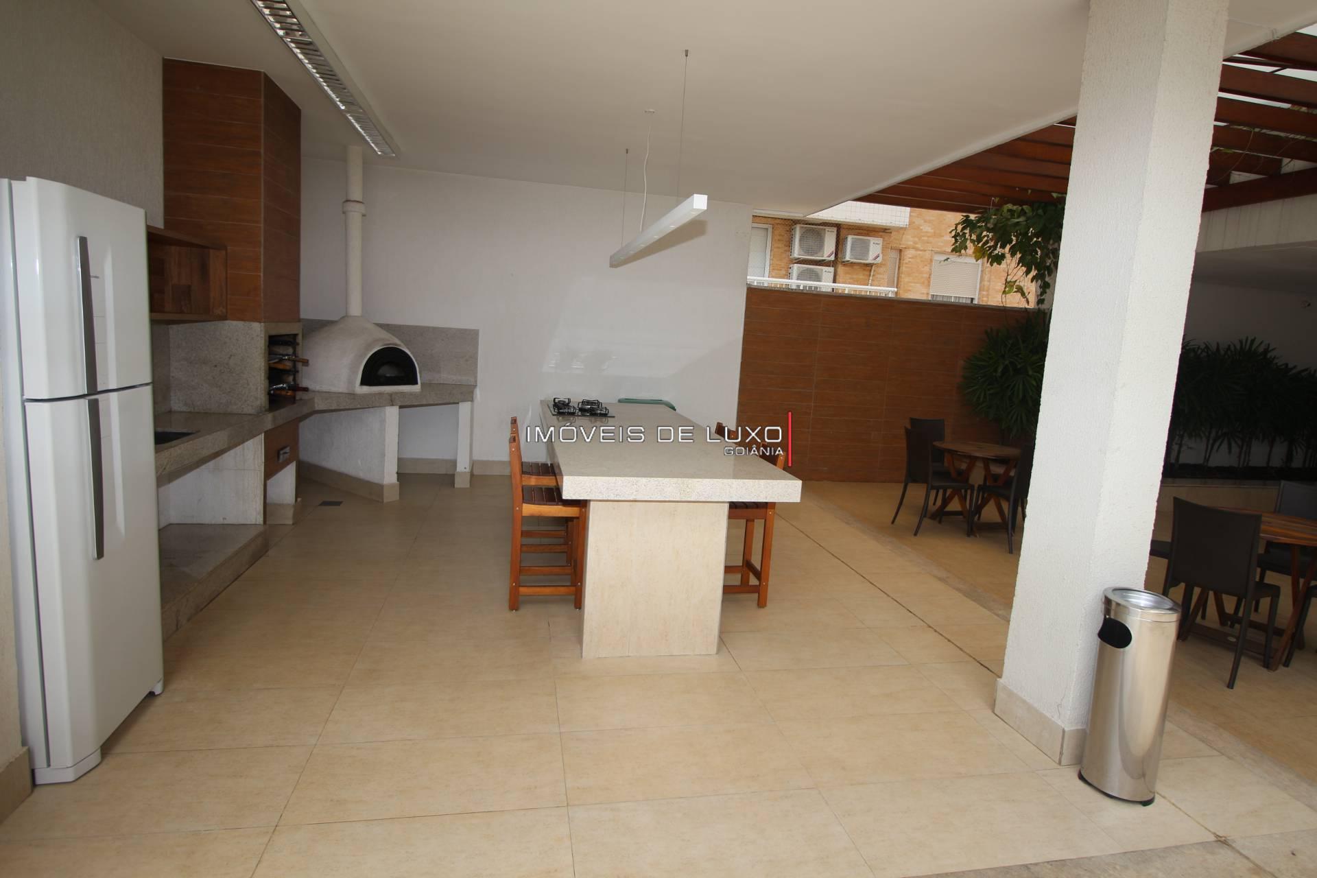 Imóveis de Luxo - Belíssimo apartamento decorado ao lado do Vaca Brava.