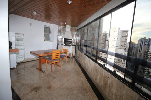 Apartamento com 4 suítes no Setor Bueno