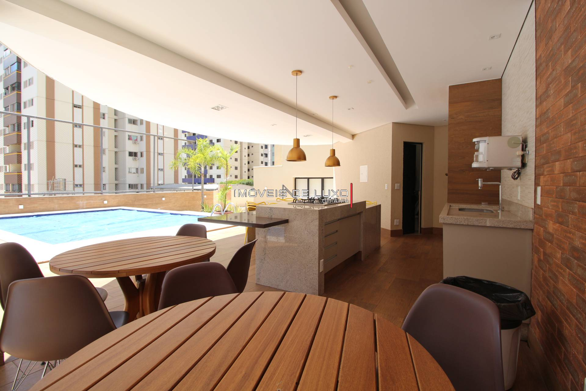 Imóveis de Luxo - Apartamento 04 suítes, 01 por Andar no Setor Bueno