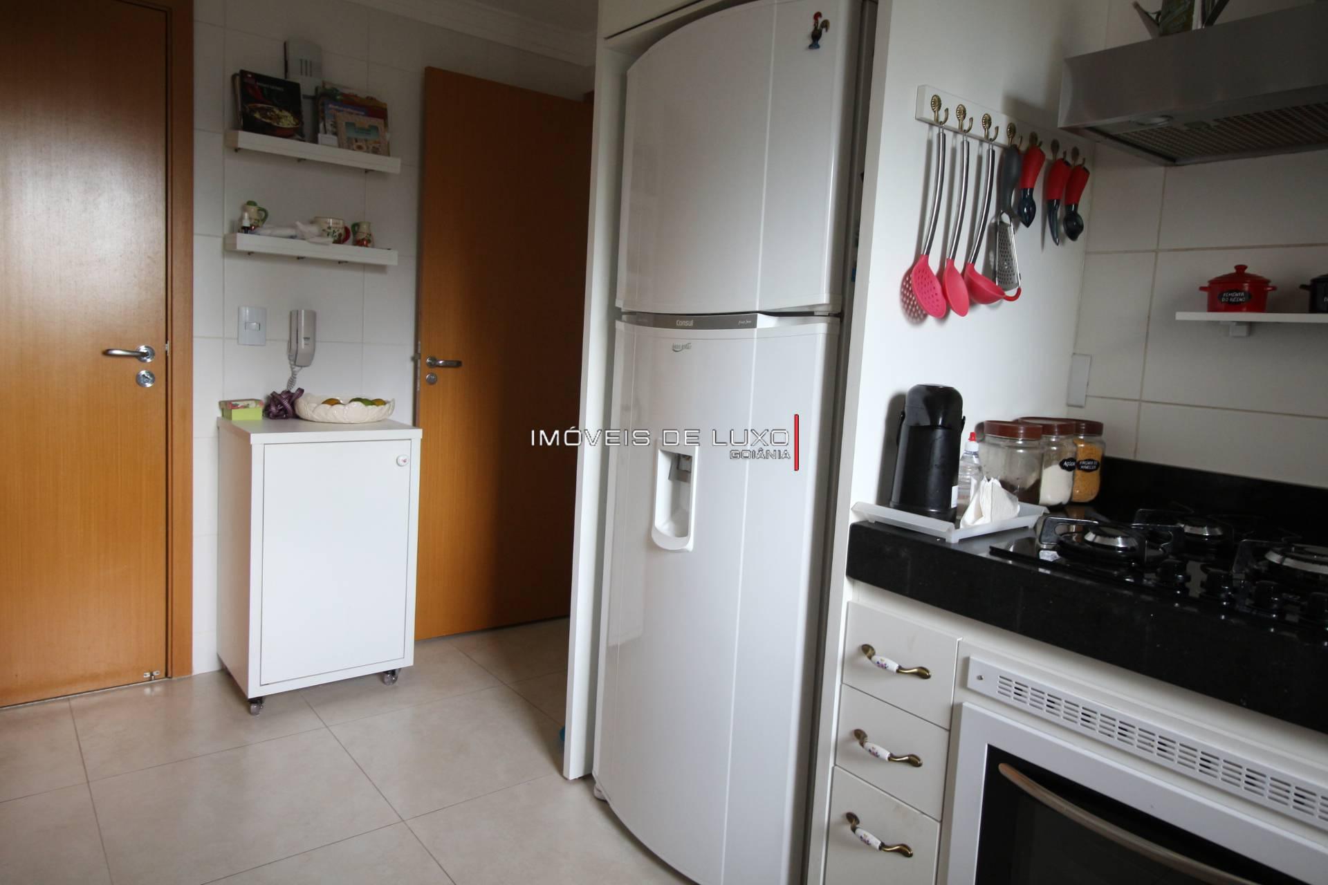 Imóveis de Luxo - Apartamento com 3 suítes próximo a pca do colégio Ipê