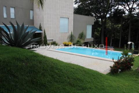 Luxuosa mansão em uma área de 7000 m²
