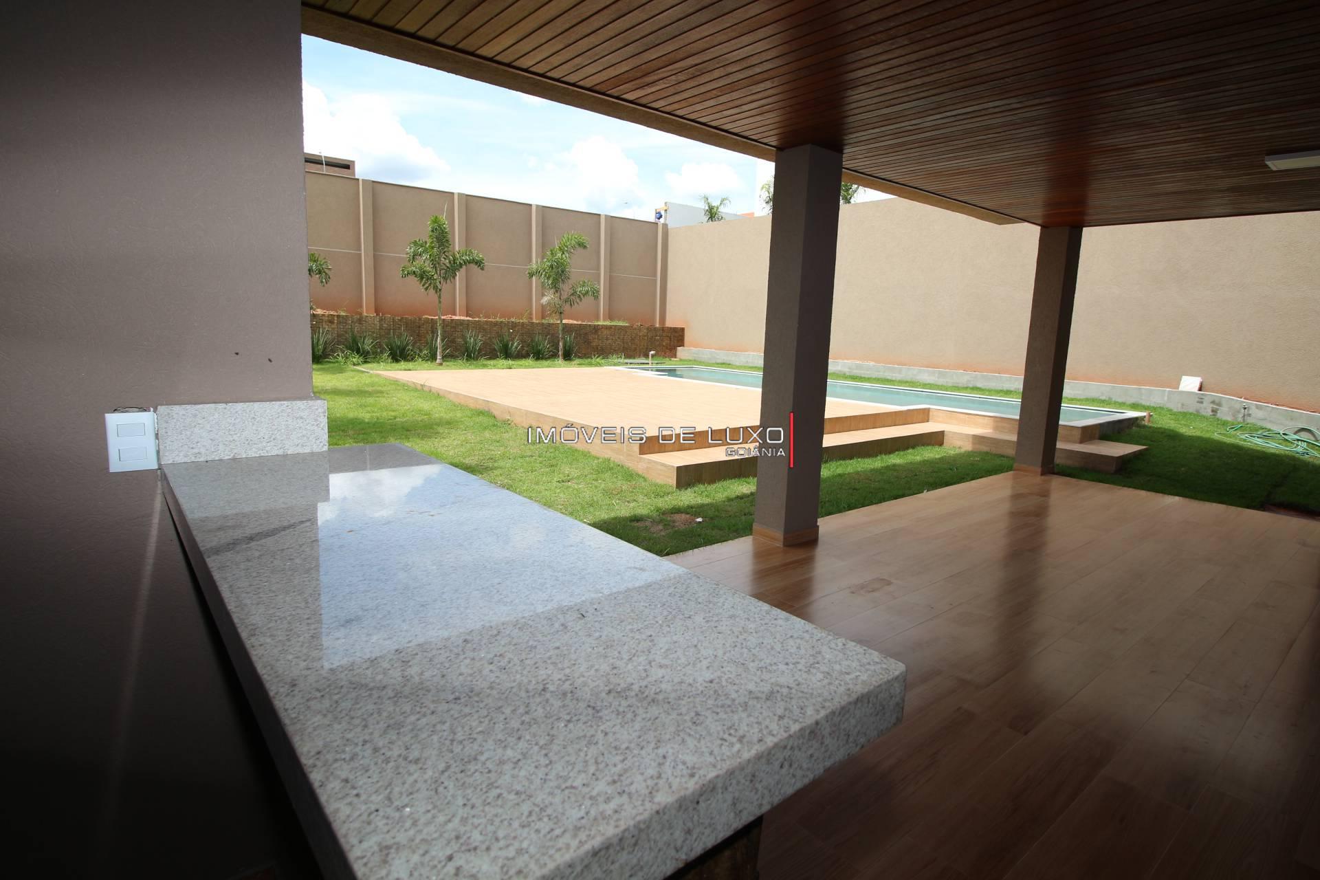 Imóveis de Luxo - Sobrado novo com 5 suítes no  Jardins Munique