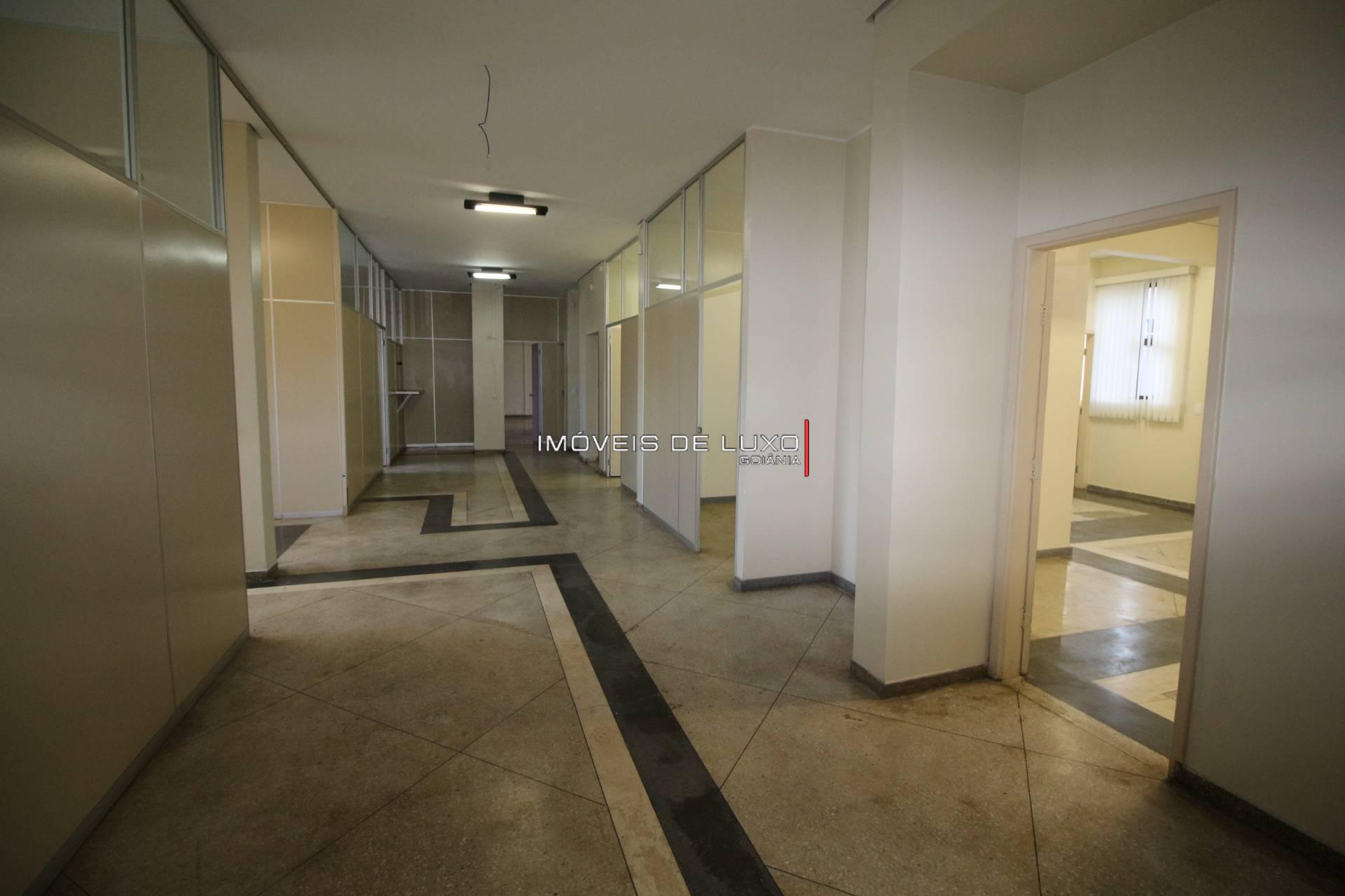 Imóveis de Luxo - Prédio Comercial com renda na T 10 com 4 Pavimentos