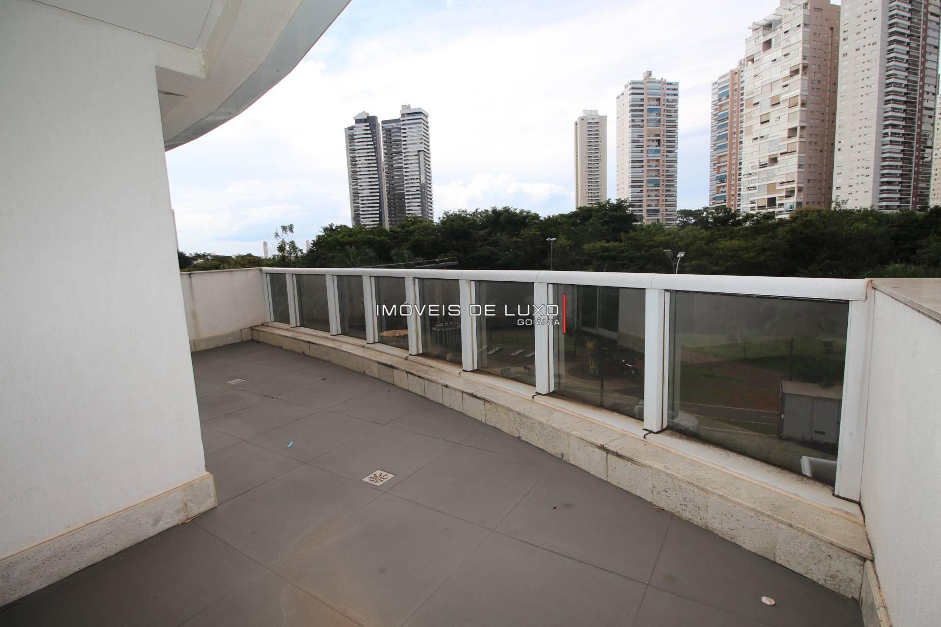 Imóveis de Luxo - Sofisticado apartamento em frente ao parque flamboyant