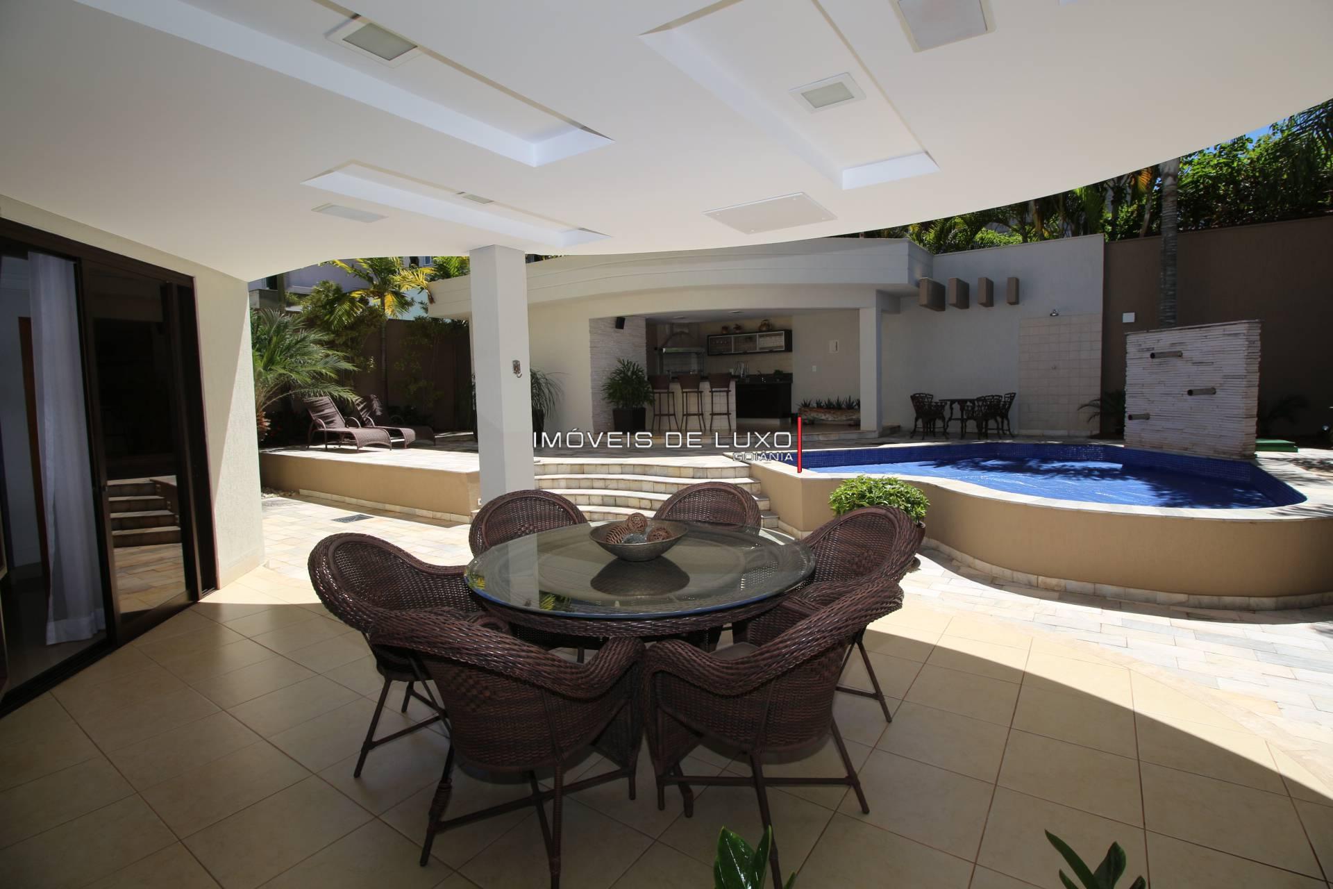 Imóveis de Luxo -  Lindo Sobrado mobiliado no Alphaville Araguaia