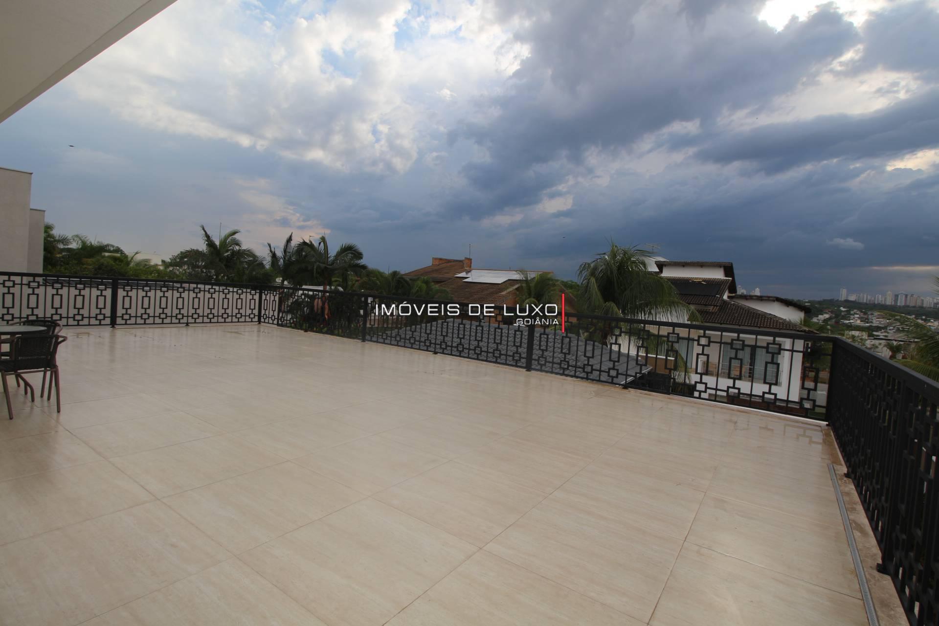 Imóveis de Luxo - Sobrado no Alphaville Cruzeiro