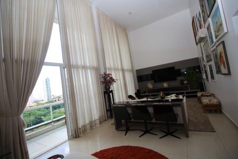 Belíssimo apartamento no Vaca Brava.