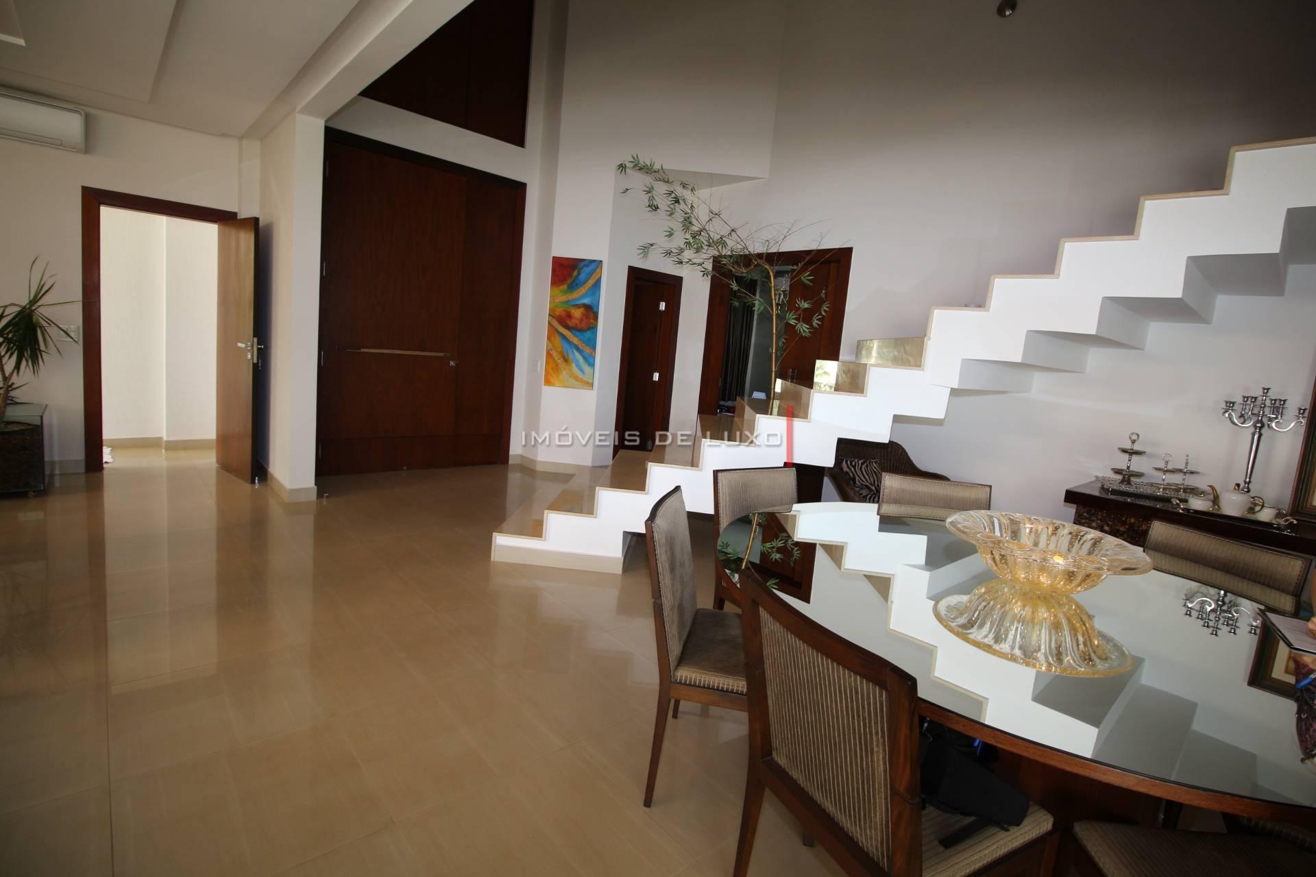 Imóveis de Luxo - Maravilhoso sobrado no Alphaville Cruzeiro