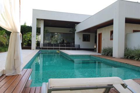 Moderna Casa Térrea no Aldeia Do Vale