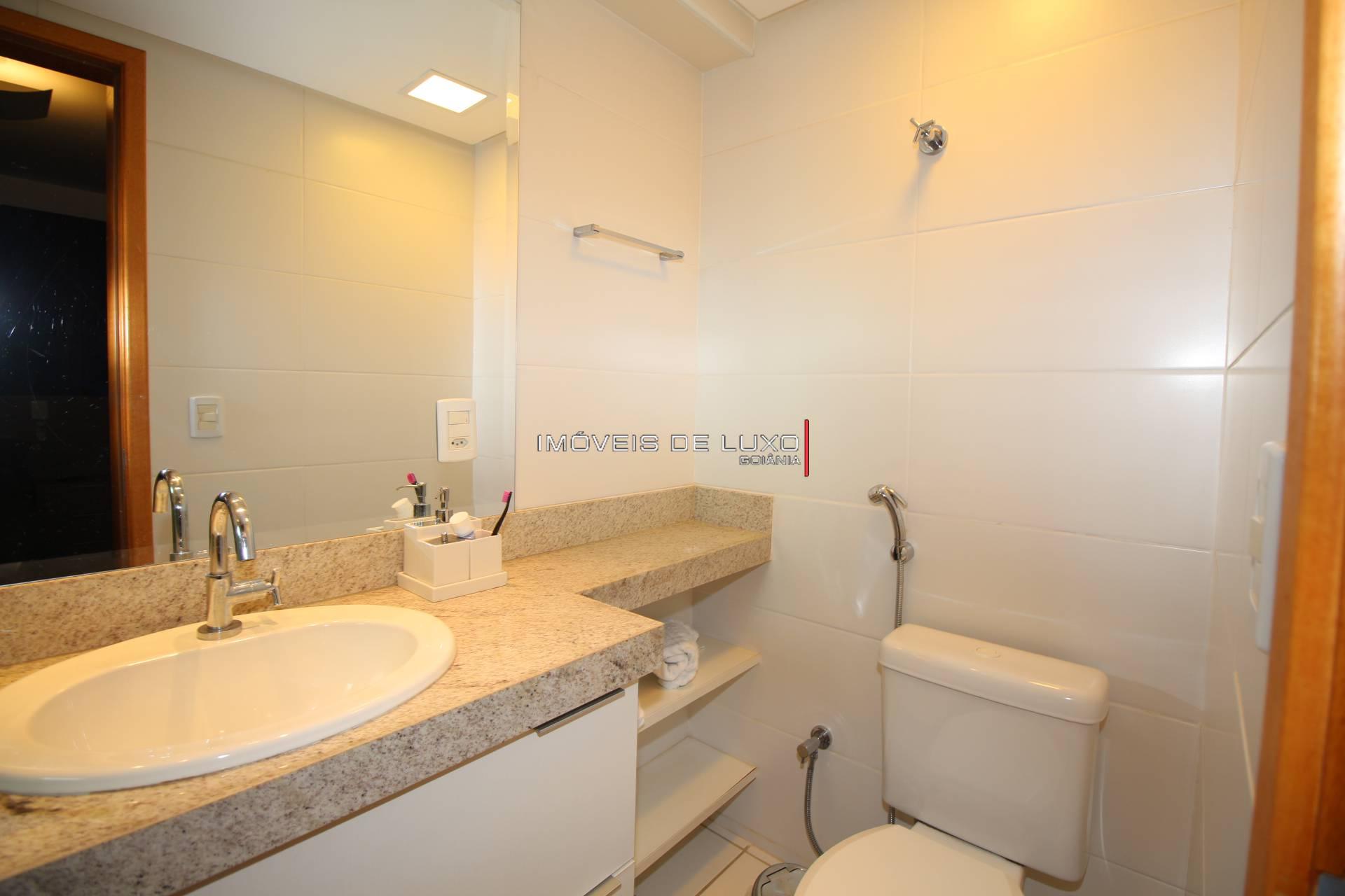 Imóveis de Luxo - Apartamento 4 suítes mobiliado próximo à T 4