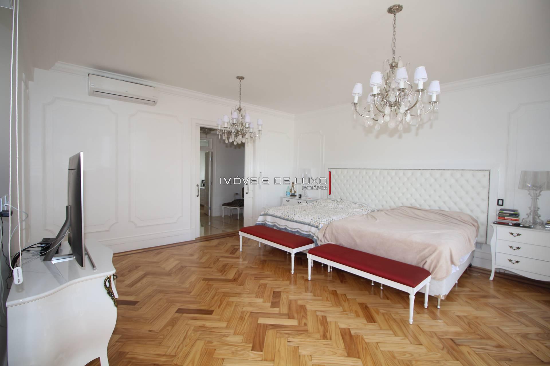 Imóveis de Luxo - Espetacular mansâo no Aldeia do Vale