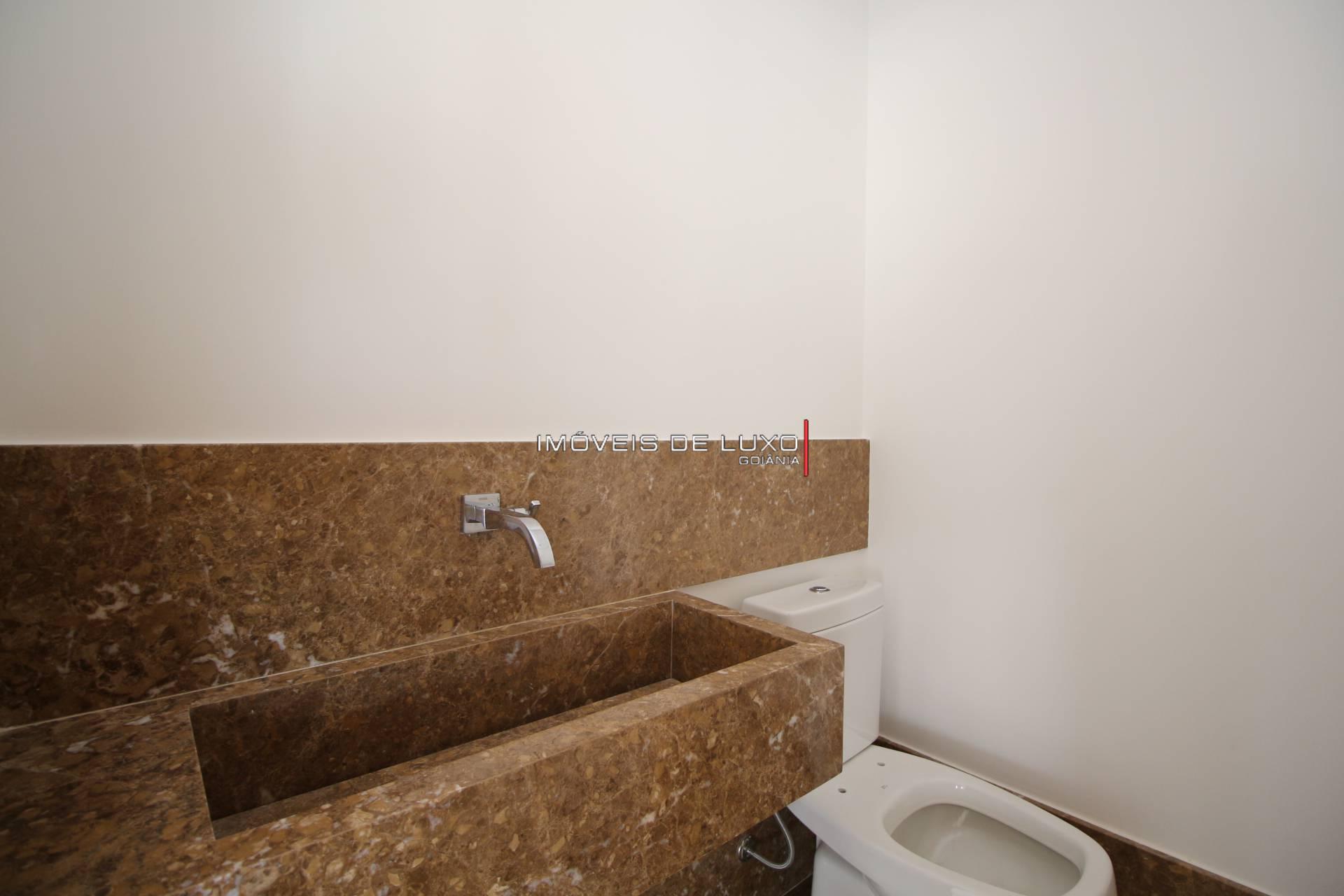 Imóveis de Luxo - Exclusivo apartamento com Skydrive no Marista