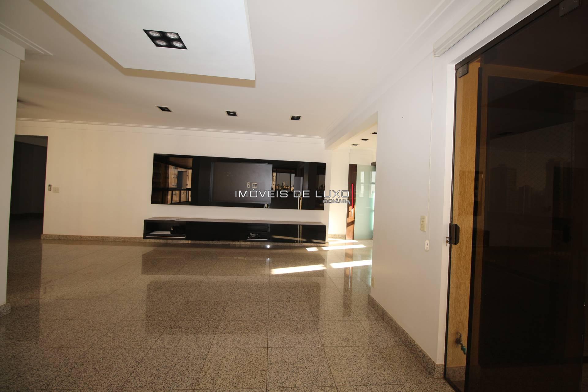 Imóveis de Luxo - Apartamento com 4 suítes vista para o Vaca Brava