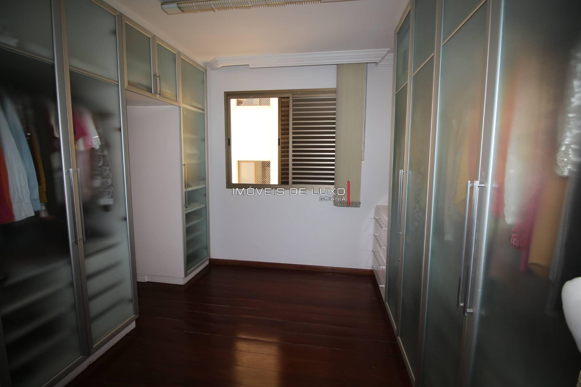 Imóveis de Luxo - Apartamento ao lado da praça T 25 com 3 suítes