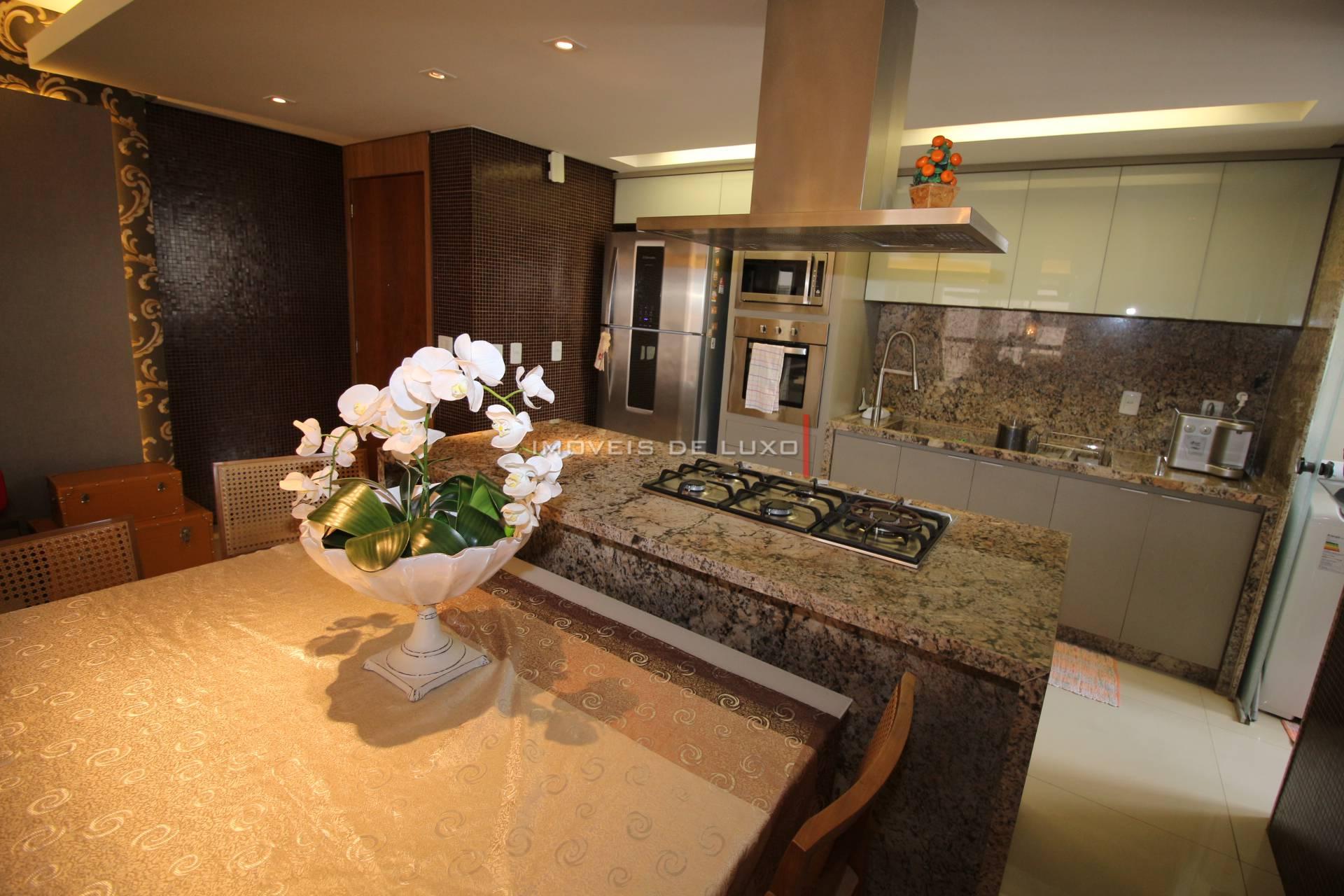 Imóveis de Luxo - Lindo Apartamento no Setor Bueno.