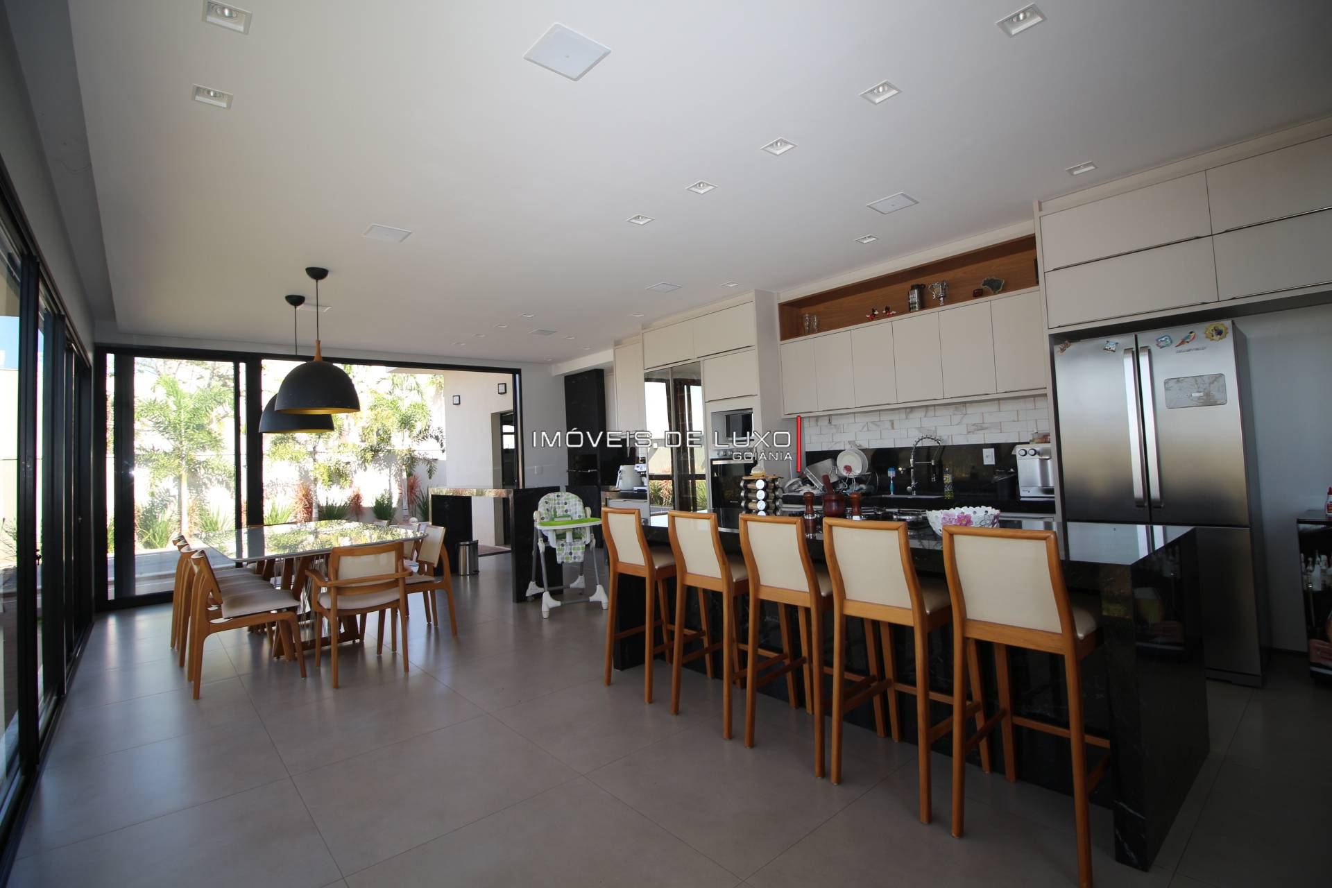 Imóveis de Luxo - Casa Térrea no condomínio do Lago
