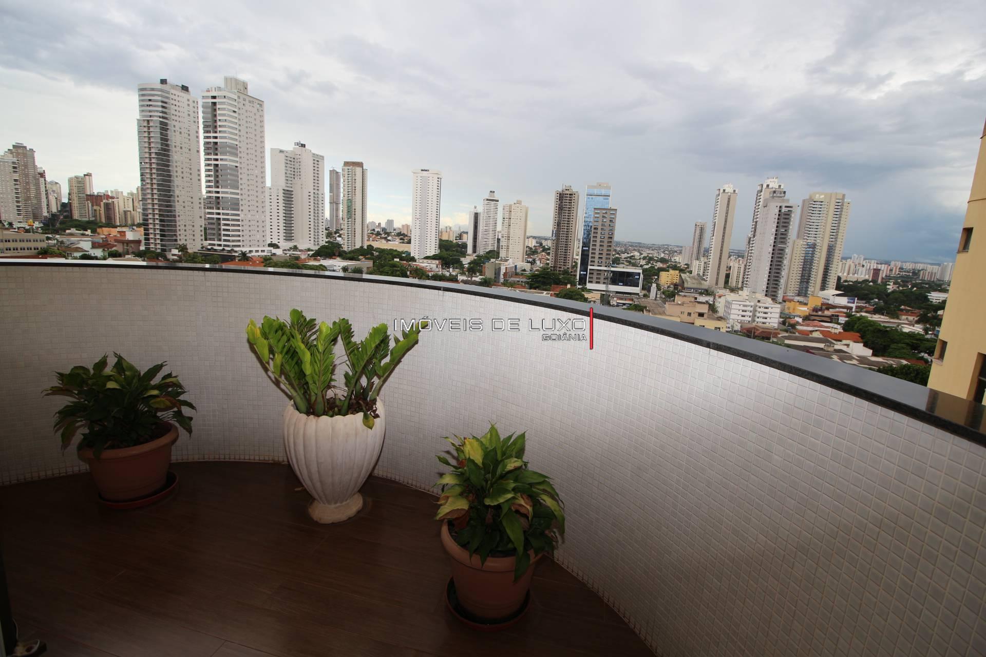Imóveis de Luxo - Apartamento com 4 suítes ao lado da praça T 23