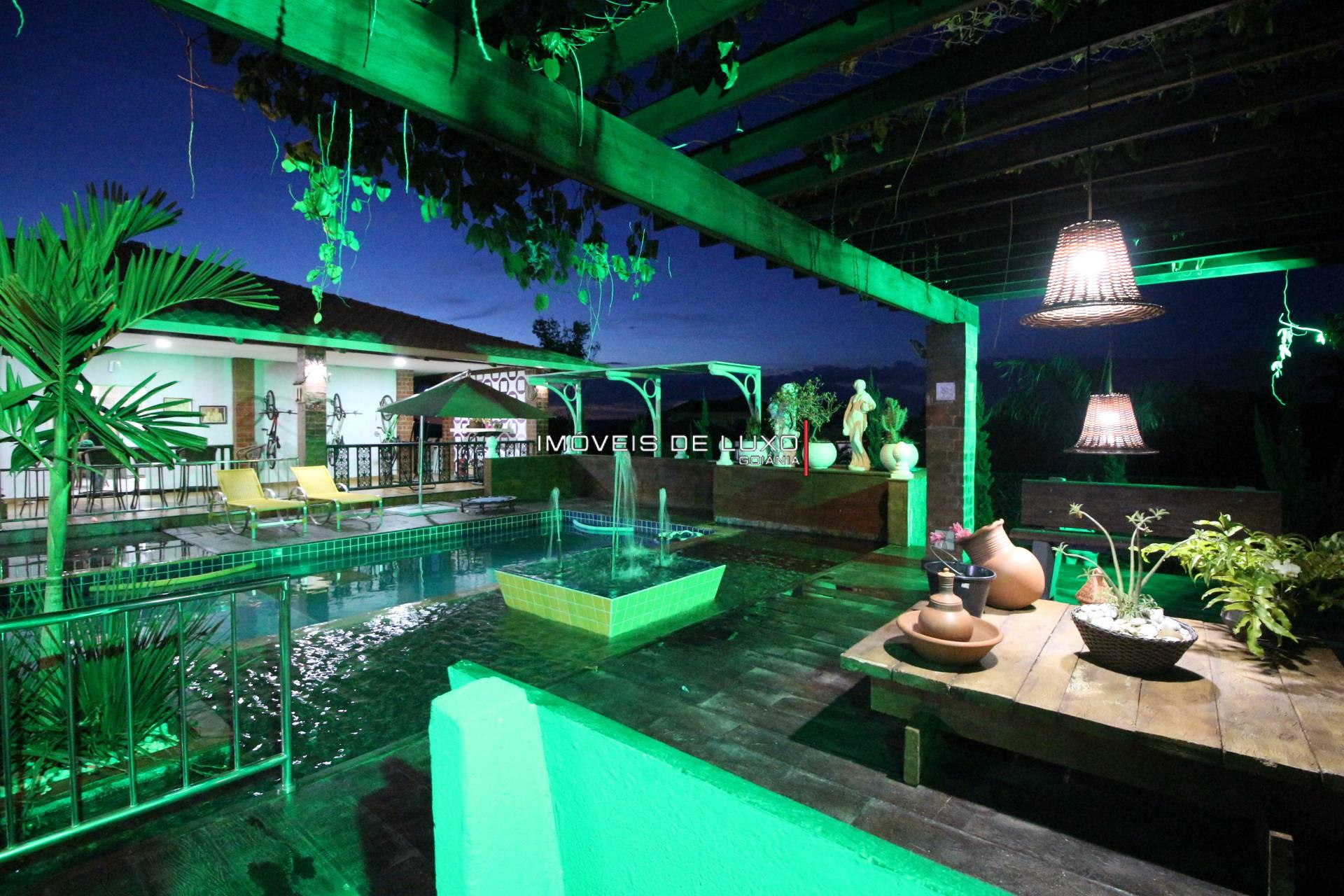 Imóveis de Luxo - Chácara no Condomínio Aguas da Serra Hidrôlandia