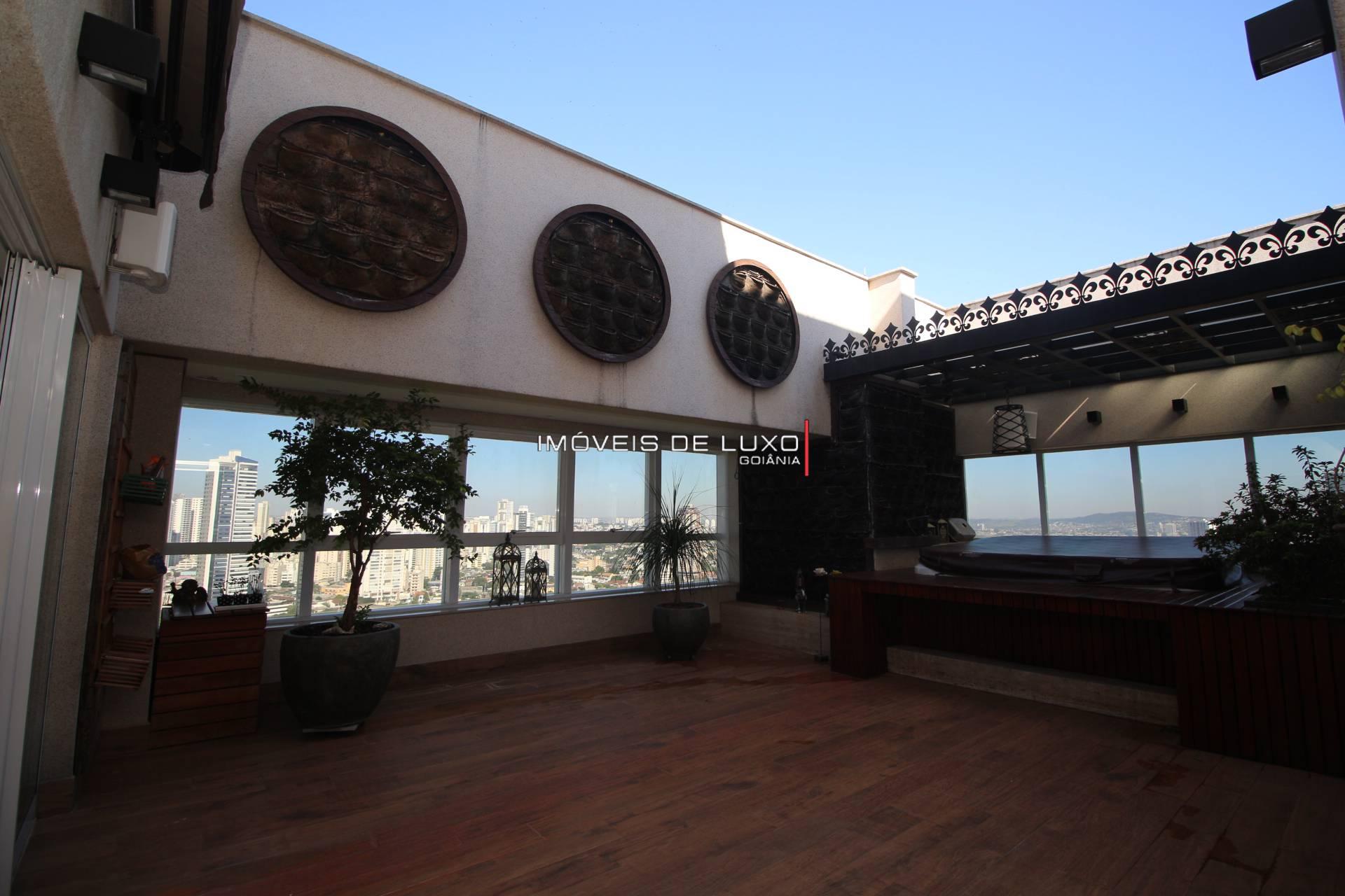 Imóveis de Luxo - Sofisticada cobertura mobiliada no Lago das Rosas