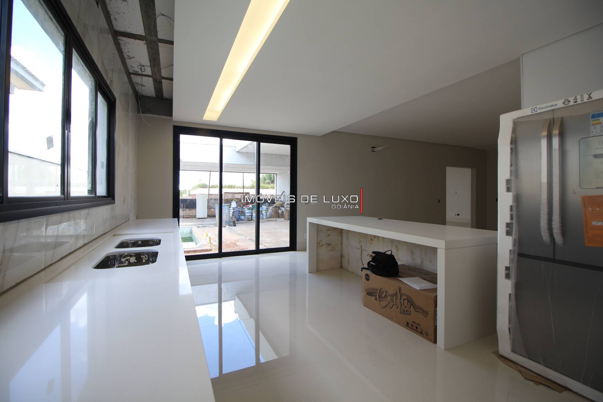 Imóveis de Luxo - Casa Térrea nova com 4 suítes no Jardins Milão(fase de acabamento)